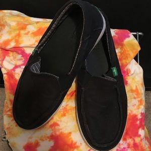 Men's sanuk slip on shoes size 7